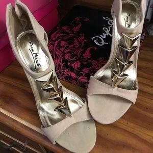 Nude sandal heels size 7
